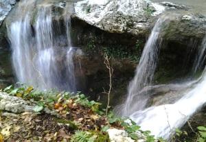 agurskie-vodopadi