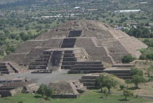 teotiuakan-drevnij-gorod-v-meksike