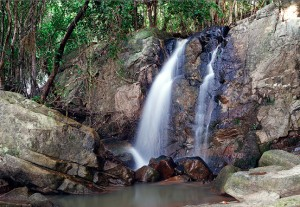 vodopadi-ostrova-samui