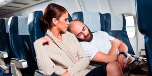 16 способов выспаться в самолете