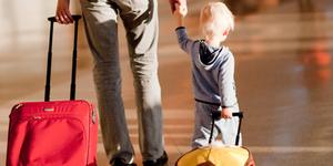 Как пережить перелет с детьми