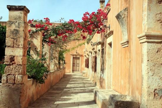 Монастырь Агия Триада в Греции