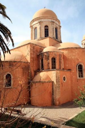 Вид на монастырь Агия Триада в Греции
