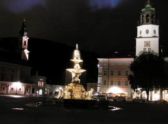 Зальцбургская резиденция ночью