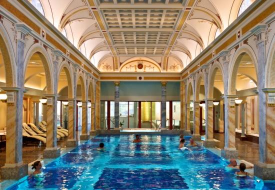 Курорт Бад Халль в Австрии, термальные ванные