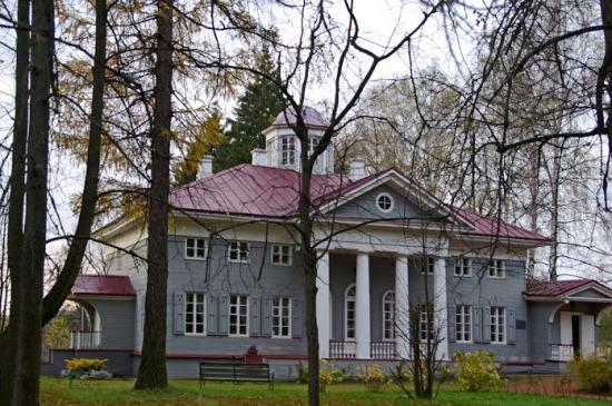 Усадьба Захарово в деревне Захарово