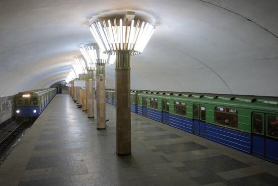 """Станция метро """"Центральный рынок"""" возле Благовещенского базара"""