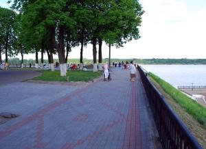 Волжская набережная в Ярославле