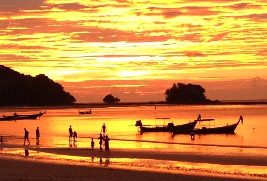 Закат на острове Пхукет, Таиланд