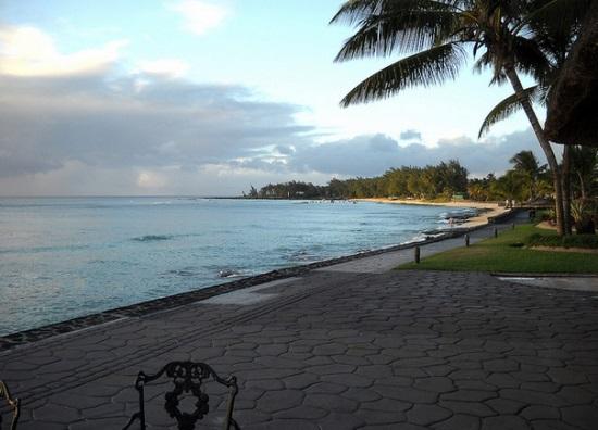 Пуант Окс Пиман, пляж